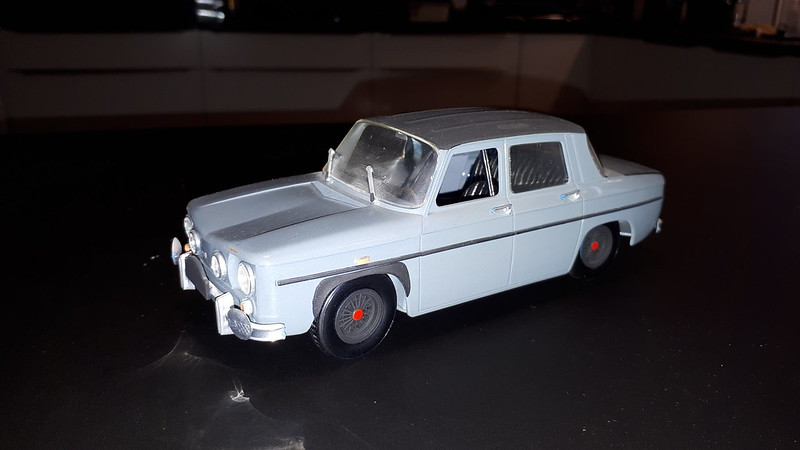 AMT Renault R8