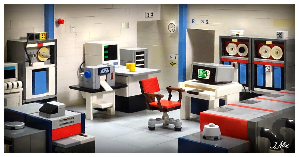 Vintage Computer Room (custom built Lego model)