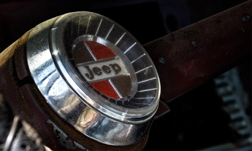 1968 Jeep steering column