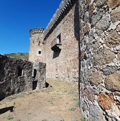 Mombeltrán. balcón del Castillo y torre de cetrería al fondo