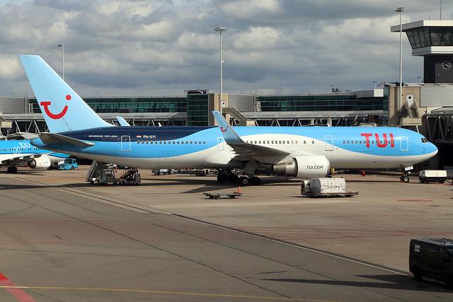 PH-OYI  -  Boeing 767-304(ER)  -  TUI Fly  -  AMS/EHAM 18/8/19