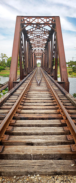 Railroad bridge at Franklin, OH