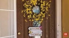 mom stuff moms momsday diy door sign home front porch parenting tips tricks advice blogger youtube decor shopping dollar tree