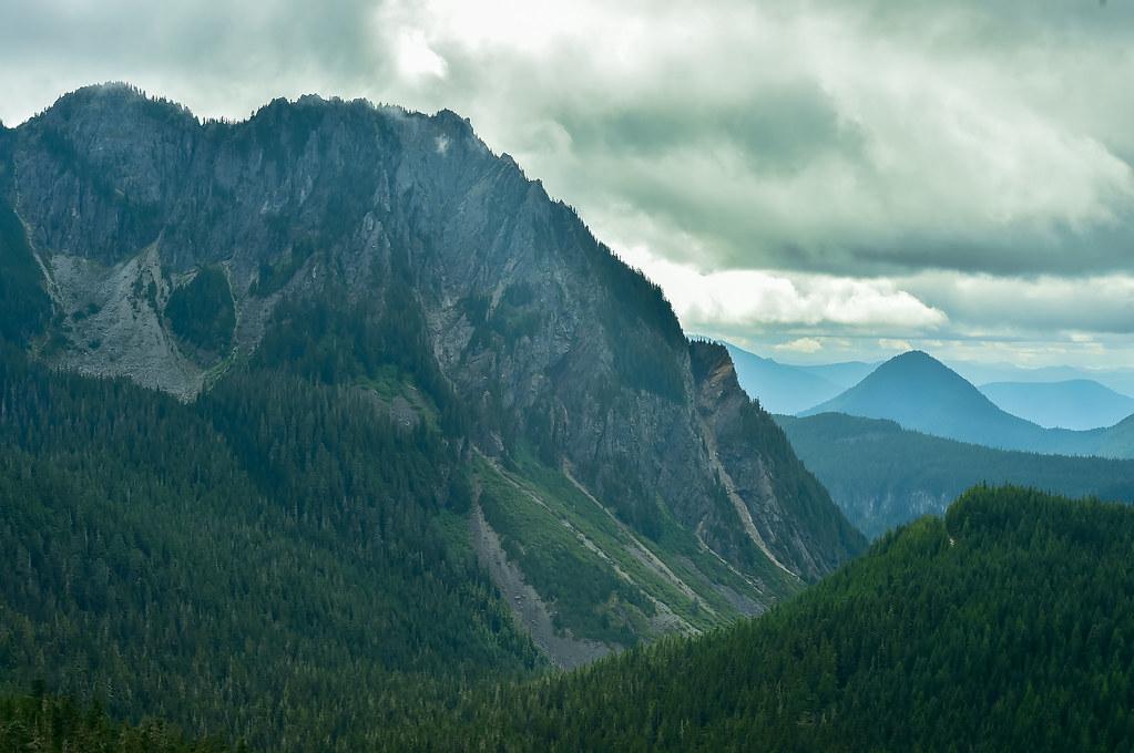 20190817_Mount Rainier -w Sue and Nock-046