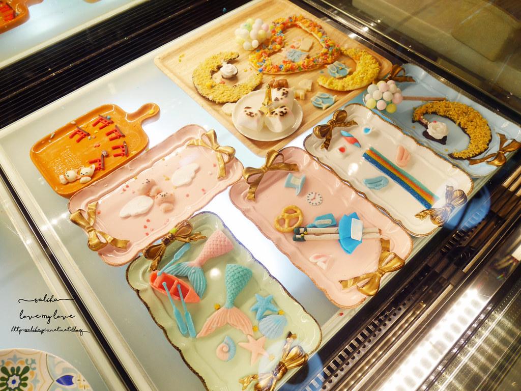 台中浮誇系ig拍照推薦夢幻甜點冰淇淋好拍藍箱處 (1)