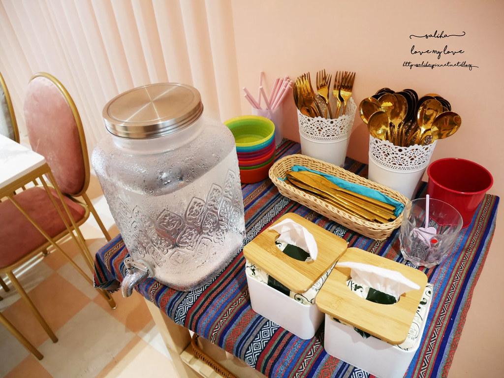 台中ig餐廳好拍拍照打卡甜點冰品藍箱處網美風必拍 (4)