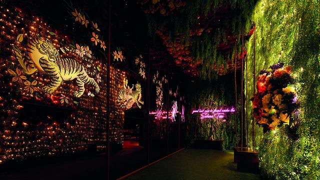 2. FUHU Restaurant & Bar walkway