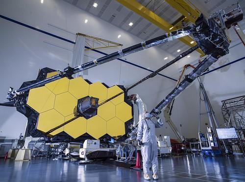 esa europeanspaceagency space universe cosmos spacescience science spacetechnology tech technology jwst jameswebbspacetelescope jameswebb nasa canadianspaceagency csa webb mirror