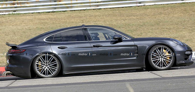 porsche-panamera-with-long-exhaust-tips-spy-photo (2)