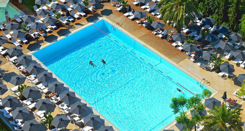Zwemmen in Athene (foto met dank aan Hilton) | Mooistestedentrips.nl