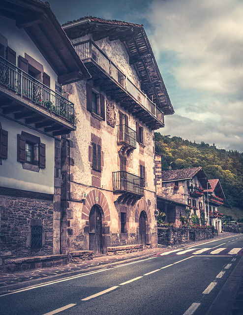 Old Basque architecture