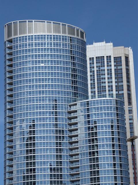 Chicago, Riverwalk, Skyscraper Trio
