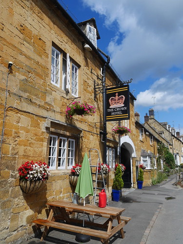 The Crown, Blockley