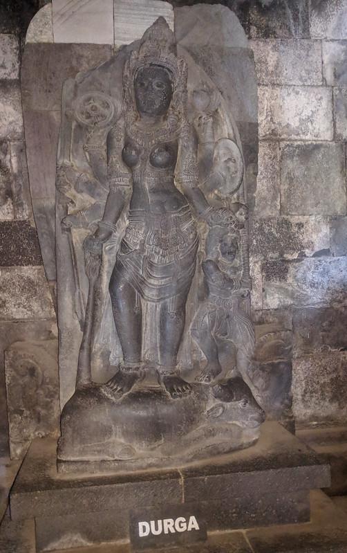 Durga en templos de Prambanan