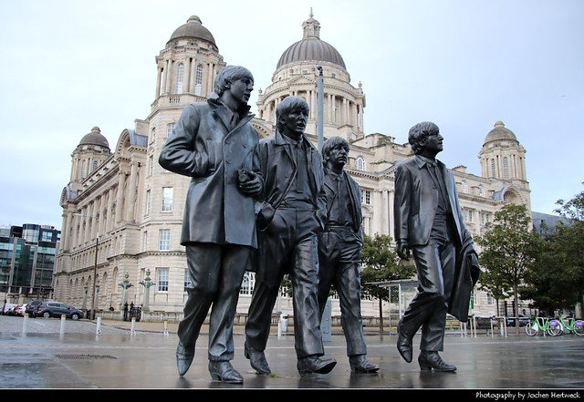 Beatles Statue & Port of Liverpool Building, Liverpool, UK