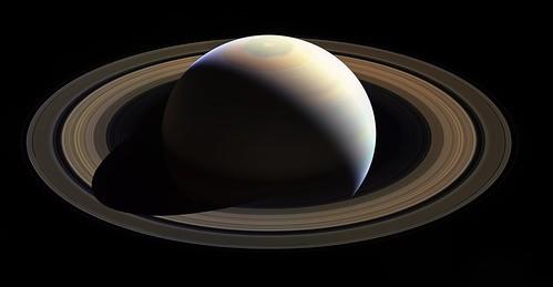 Saturn Rocks! Hexagon......