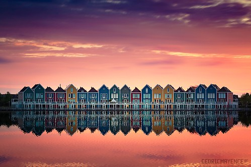 houten holland netherlands paysbas paysage landscape sunset reflexion architecture rainbowhouse house maison floating flotante utrecht rietplas reflet