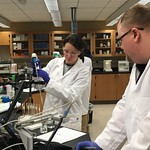 Wed, 2018-03-14 13:37 - Sinclair_Diane and Kris in the lab