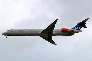 LN-RLE   McDonnell Douglas DC-9-82 (MD82) [49382] (SAS Scandinavian Airlines) Home~G 20/09/2007