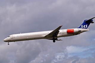 LN-RMM   McDonnell Douglas DC-9-81 (MD81) [53005] (SAS Scandinavian Airlines) Heathrow~G 31/08/2006