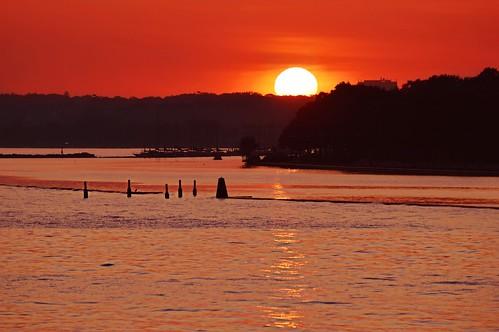sunset sun torontosunset lakeontario greatlakes torontoist