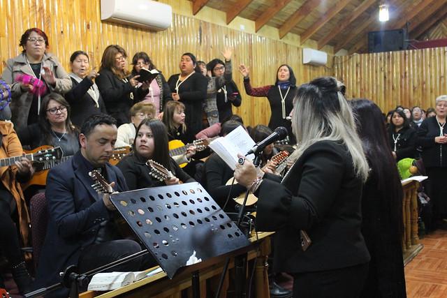 """""""…Y la gloria de Jehová llenó la casa"""" Encuentro de Dorcas en Villa Carrera"""