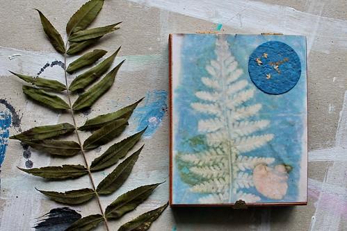"""kunstschachtel / art in a box 17.2019, schachtelbuch / book in a box  """"ecoprint"""""""