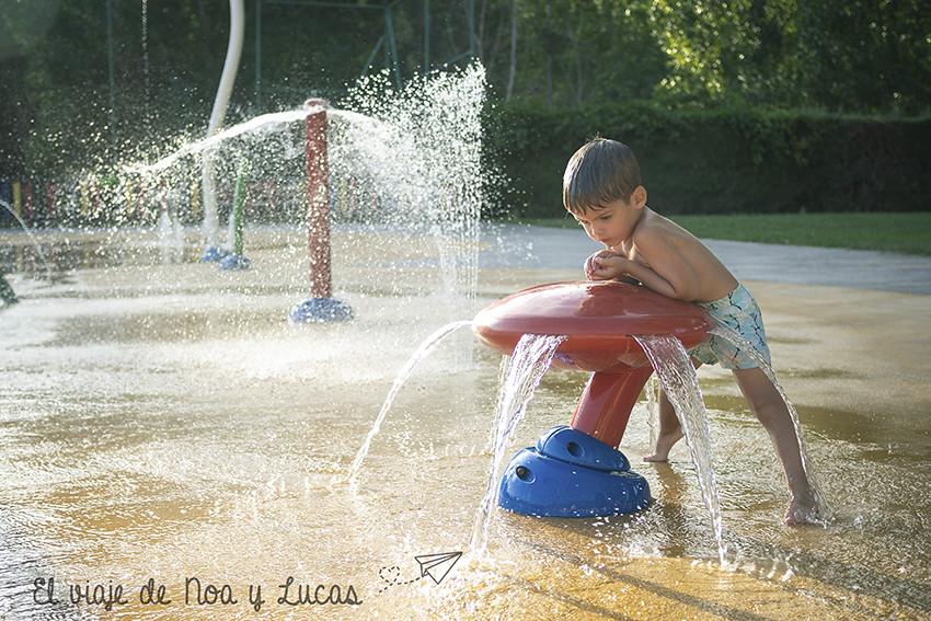 Disfrutando con el agua