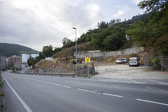 Estado de las obras de construcción de nuevas viviendas tras el derribo de la antigua fábrica de Lomi Power.