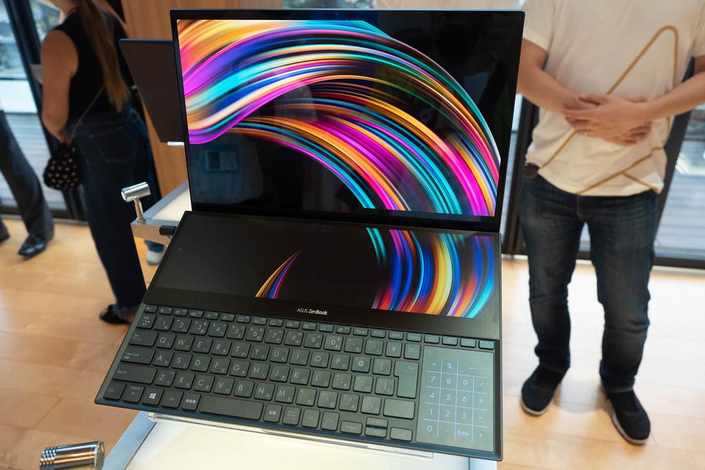 ASUS_Zenfone6_ZenBook-11