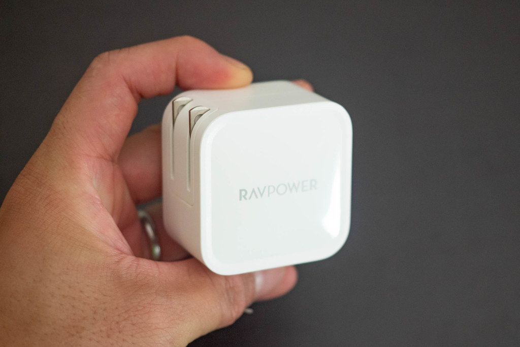 RavPower_61W_Charger-3