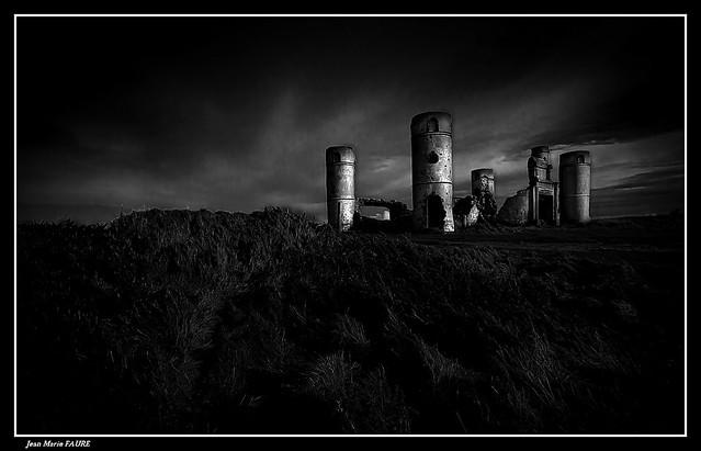 Ruines du Manoir de Saint-Pol-ROUX ( 2/2 ).