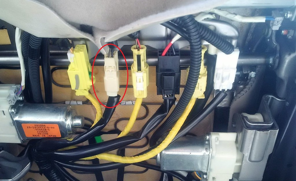 help unhooking wires under driver seat - subaru legacy forums  legacygt.com