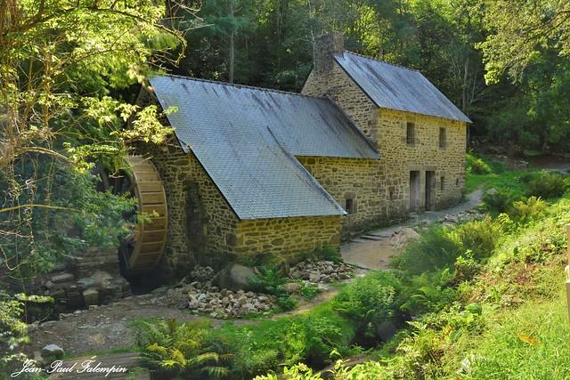 Moulin de Rossulien  -  Plomelin /  Finistère  - Bretagne         Bretagne