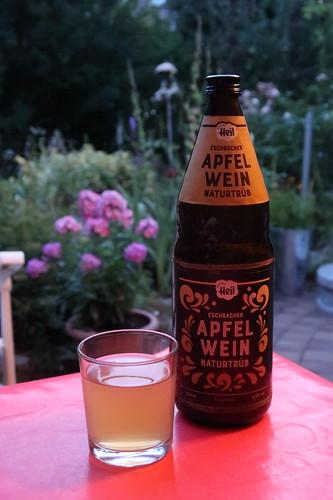 Eschbacher Apfelwein auf der Terrasse unserer Ferienwohnung in Idstein