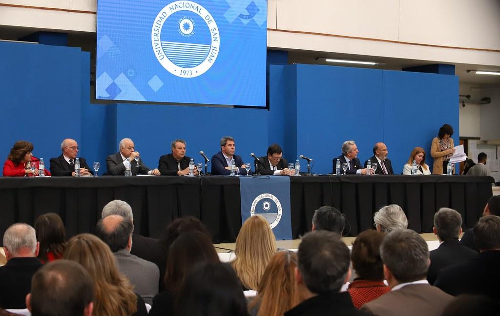 2019-08-20 PRENSA: La UNSJ distinguió a Tulio Del Bono con el Doctorado Honoris Causa