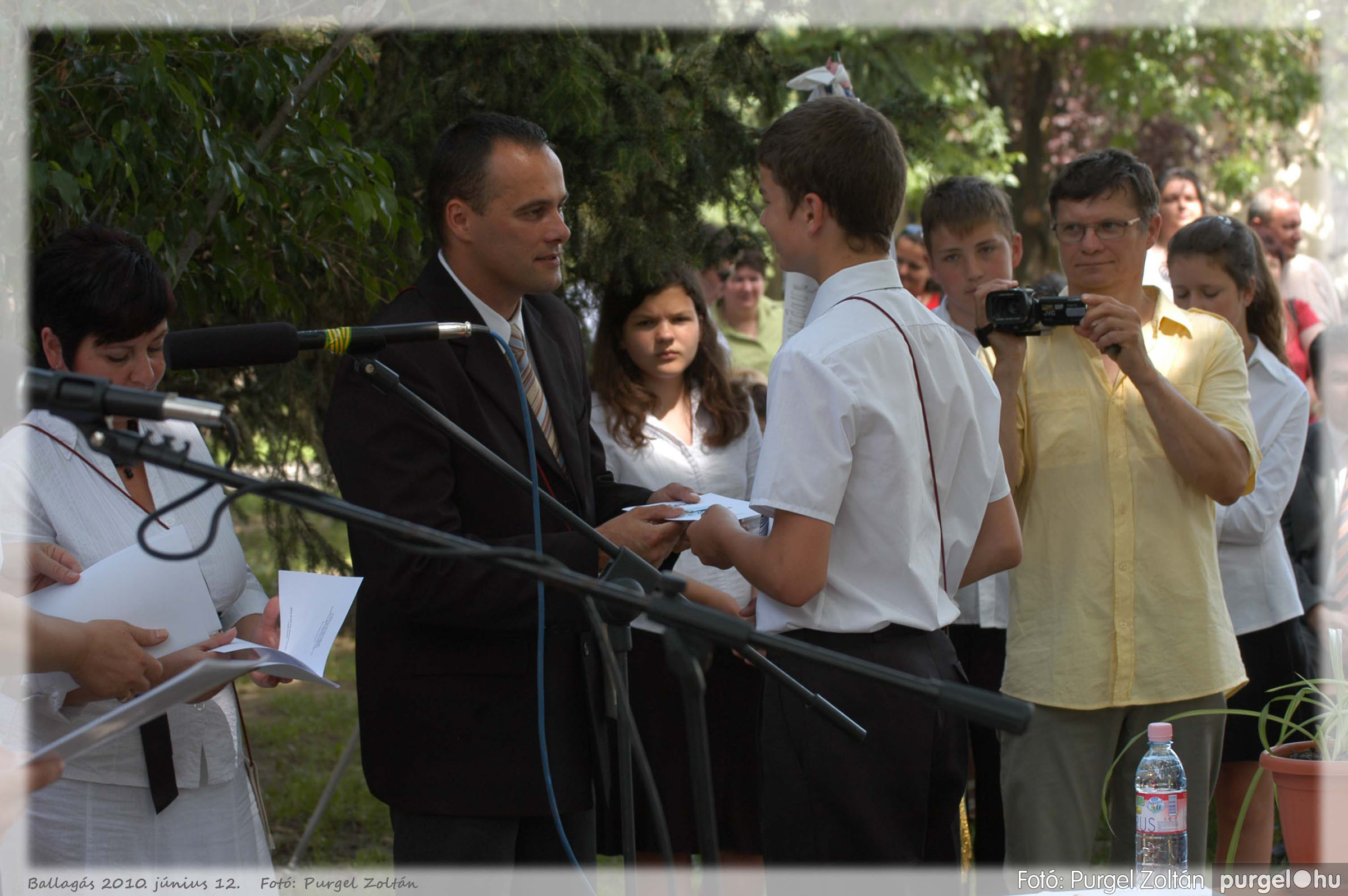 2010.06.12. 362 Forray Máté Általános Iskola ballagás 2010. - Fotó:PURGEL ZOLTÁN© 362.jpg