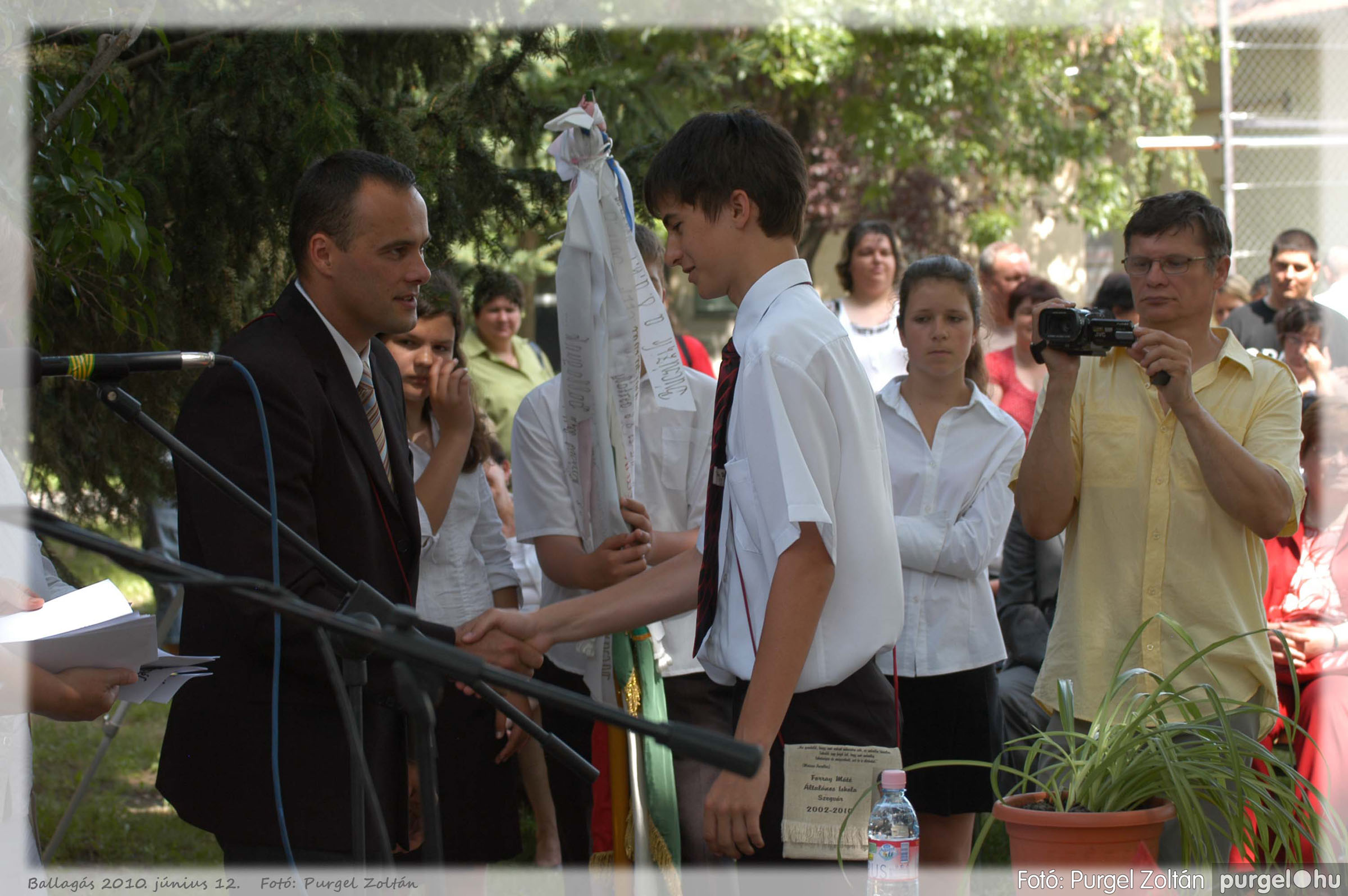 2010.06.12. 353 Forray Máté Általános Iskola ballagás 2010. - Fotó:PURGEL ZOLTÁN© 353.jpg