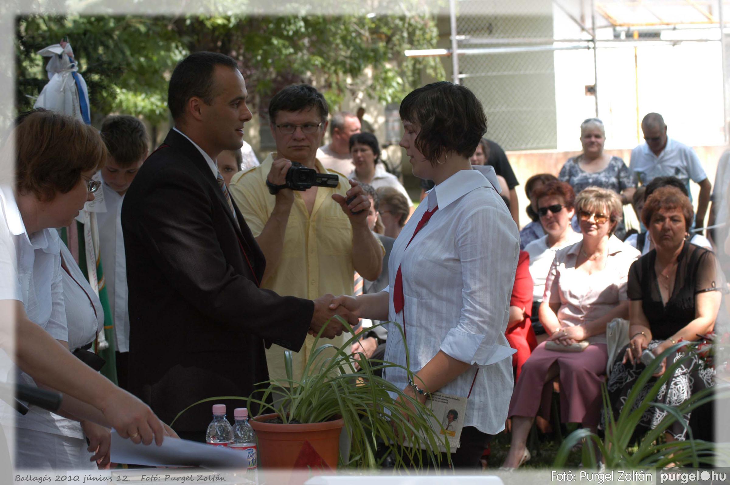 2010.06.12. 328 Forray Máté Általános Iskola ballagás 2010. - Fotó:PURGEL ZOLTÁN© 328.jpg