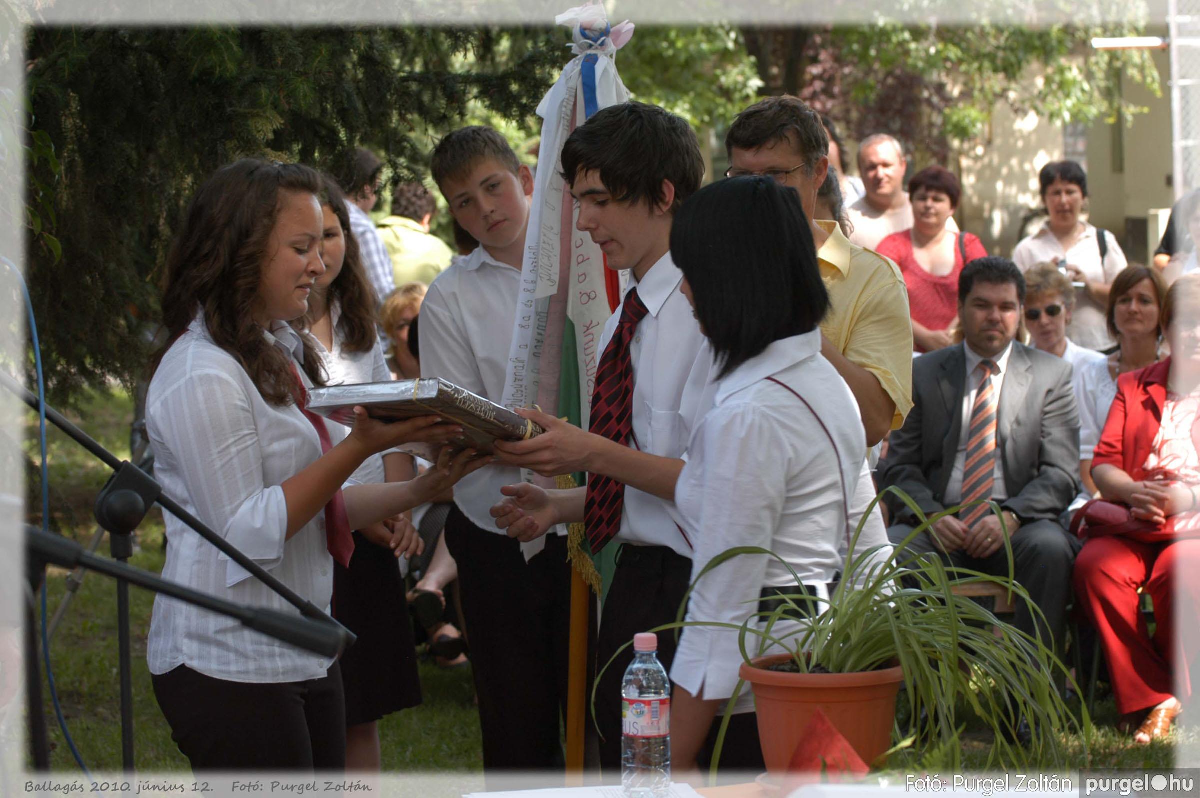 2010.06.12. 377 Forray Máté Általános Iskola ballagás 2010. - Fotó:PURGEL ZOLTÁN© 377.jpg