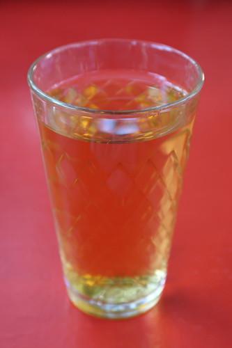 Glas vom hausgekelterten Apfelwein