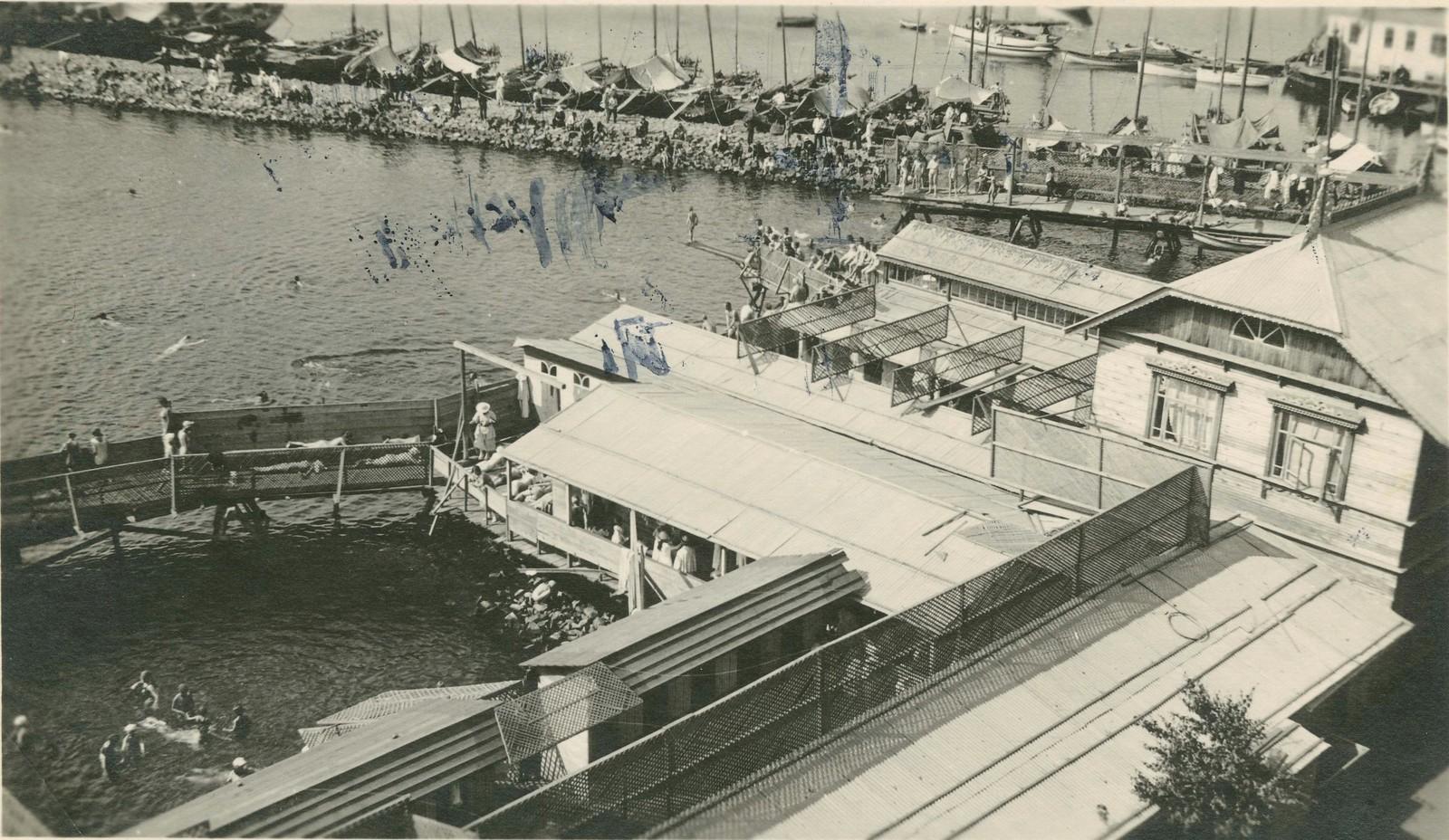 Купальня в Амурском заливе
