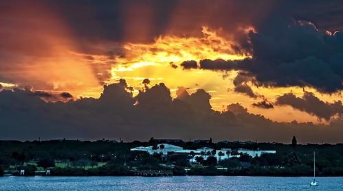 """sliderssunday"" 2019 sunrise florida clouds thunderstorm daybreak bluehour em1mkii on1edit verobeach"