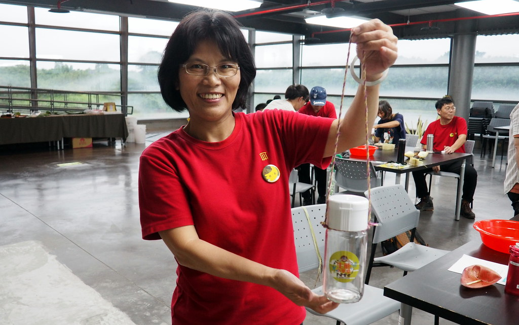 自製手作香蕉絲提繩。攝影:李育琴