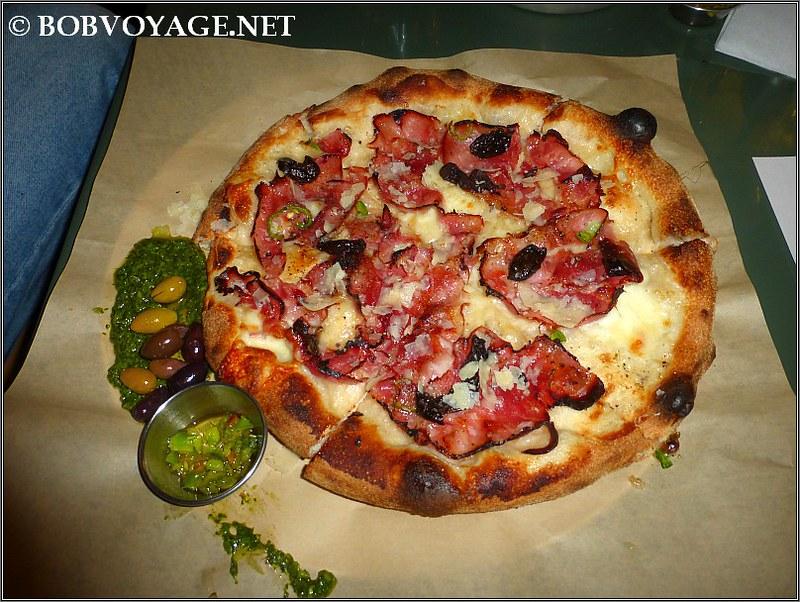 פיצה בייקון ב- לילה (Lila)