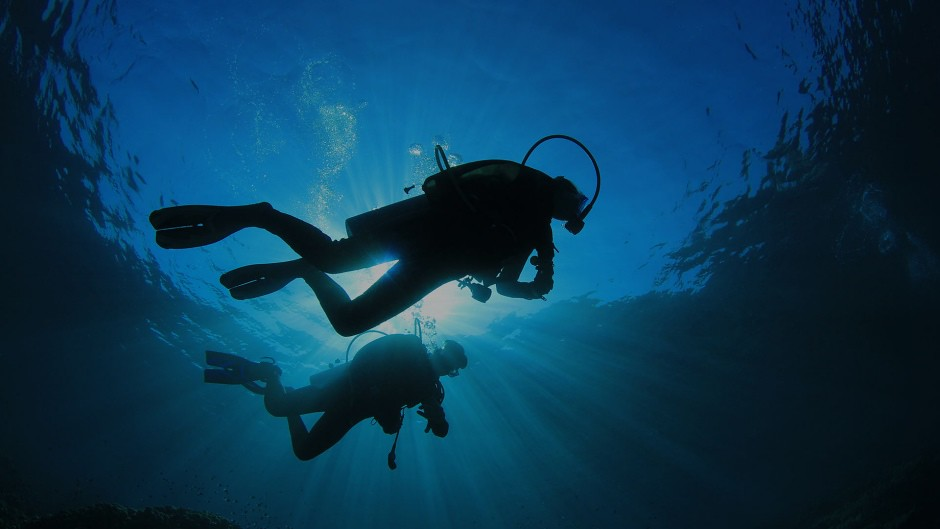 Here is the ultimate way to propose with diamond diving