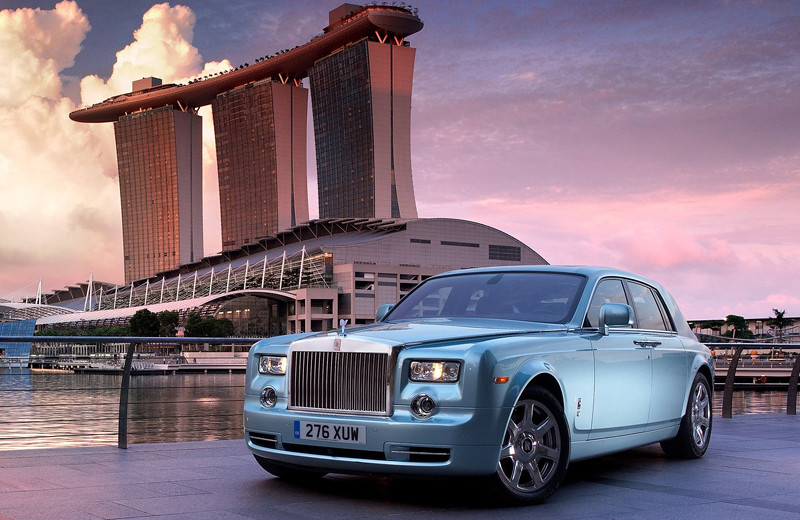 Rolls-Royce-102EX_Electric_Concept-2011-1280-01