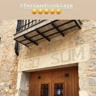 """""""Ego sum"""" #referentesclásicos gracias a mi alumna Mirena desde #Peñíscola #Castellón Para refrescar la memoria 😋😋 #latín #yoconozcomiherencia #losreferentesdemisamigossonmisreferentes"""