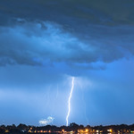 4. Juuli 2019 - 21:46 - Portrait view of a giant lightning bolt raining down and some firework on the horizon.  View from Longmont Colorado over McIntosh Lake in the afterhours of the fourth of July.  For more please subscribe, like and share.   Your support is very much appreciated!  Website With Prints available at:  james-insogna.pixels.com/featured/lightning-raining-down-...   iGallery: www.BoInsogna.com  Portfolio:  www.JamesInsogna.com   Instagram: instagram.com/strikingphoto/ Facebook www.facebook.com/StrikingPhotographyByBo/ Twitter: twitter.com/bophoto YouTube www.youtube.com/theeLightningMan