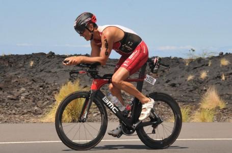 Triatlon je férovější než business, říká podnikatel a trojnásobný finišer z Havaje